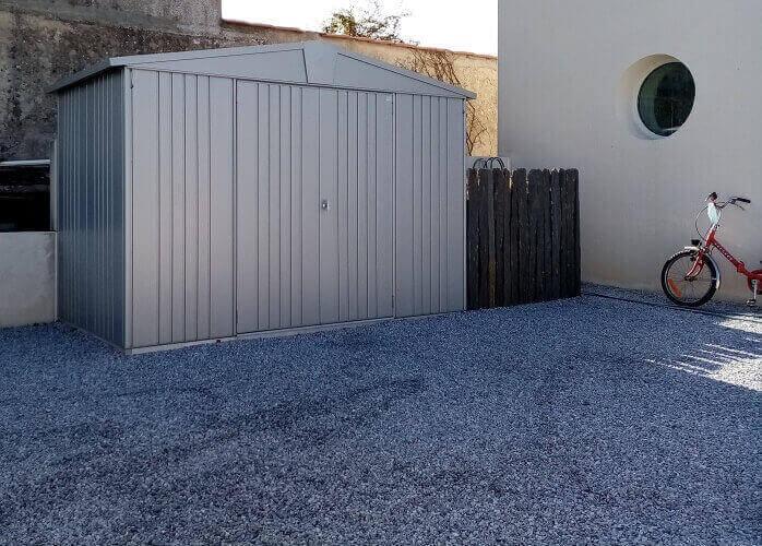 Pourquoi choisir un abri de jardin en métal ?